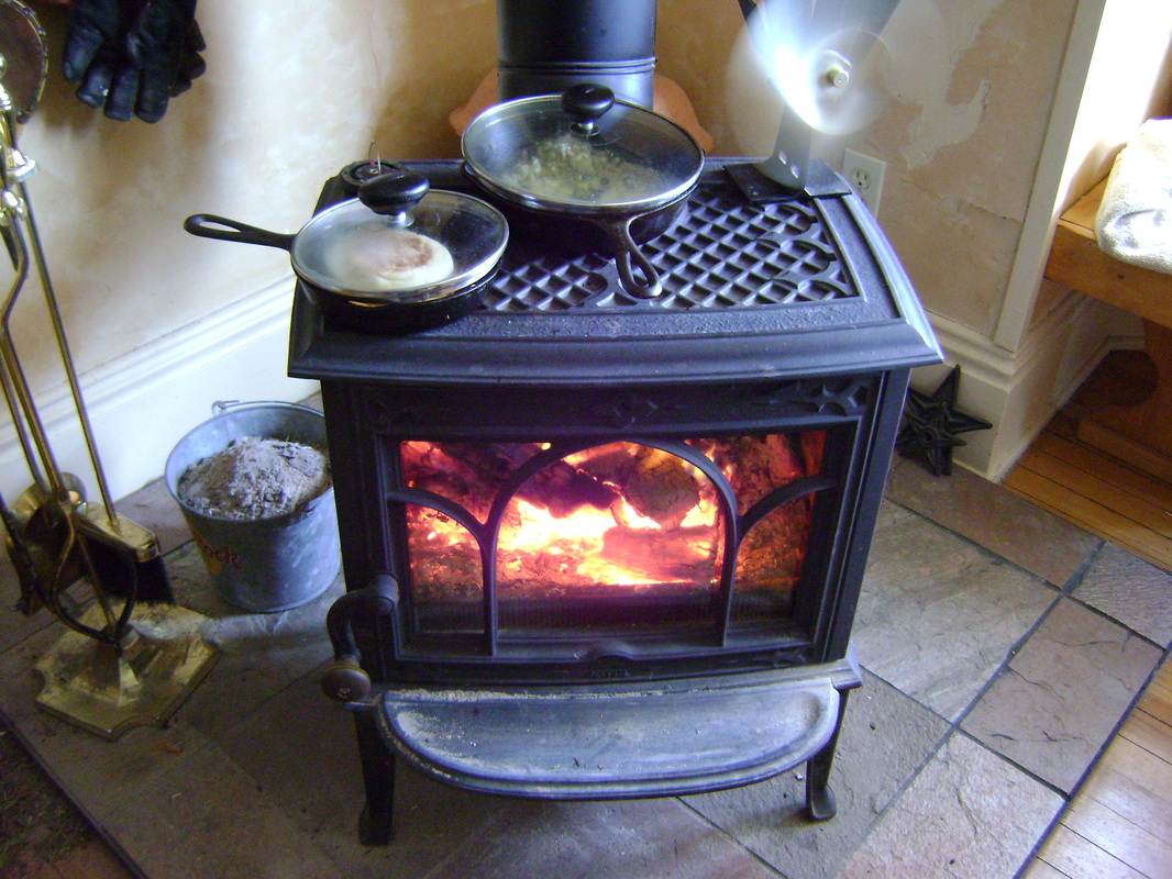 How to cook on a wood stove - Our Tiny Homestead